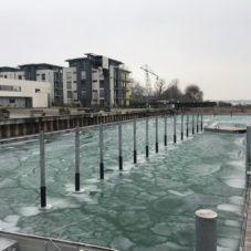 Bodensee vereist am Hafen Bottighofen CaptainsMarine