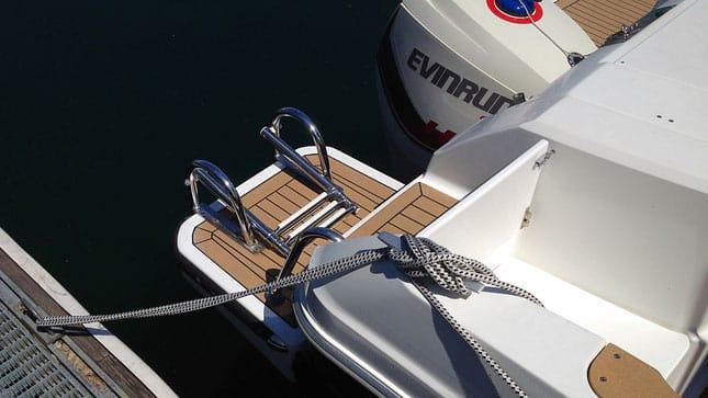 Bootsfahrschule CaptainsMarine am Ufer